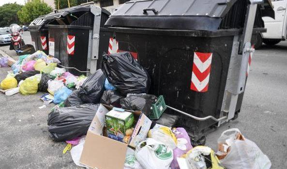 Rifiuti, l'Ama fa un bando: 188 milioni per portarli fuori Roma per 2 anni