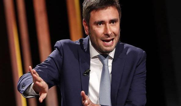 Governo, Salvini e Di Maio pronti a fare i vicepremier. Di Battista «bruciato» sul tavolo dei veti Governo, il programma in sei punti