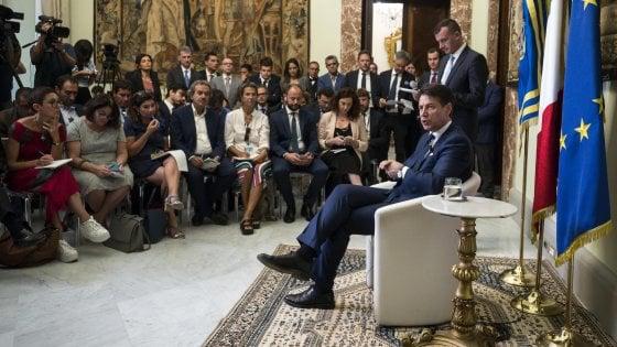 """Governo, Conte: """"Foa adeguato a presidenza"""". """"Sulla Tav deciderà cdm"""". """"Mediterraneo non è più cimitero"""""""